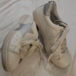 Girls Steve Madden Sneakers sz 3